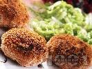 Рецепта Пържени кюфтета от херинга със савойско зеле с картофи и индийско орехче